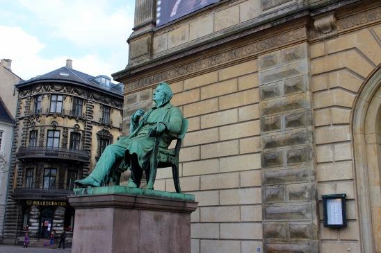 Adam Oehlenschlager scuplture, Royal Danish Theatre