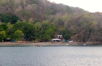 Hidden communities on the islands