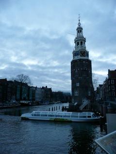 Montelbaans Tower, Oudeschans Canal