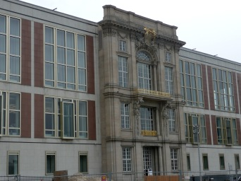 European School of Management, Schossplatz - love how kept the old palace gate and expanded