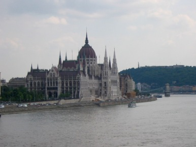 Hungarian Parliament Building, Gellert Hill & Szechenyi Chain Bridge